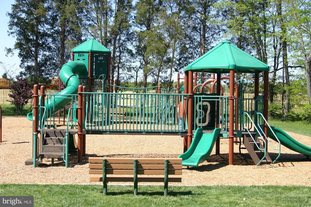 One of the Playgrounds - 42915 PAMPLIN TER, CHANTILLY