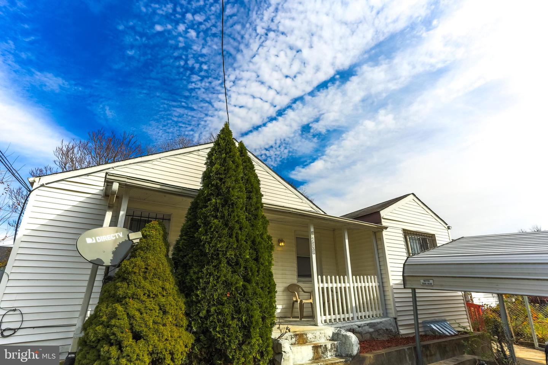 Single Family Homes para Arrendar às Capitol Heights, Maryland 20743 Estados Unidos