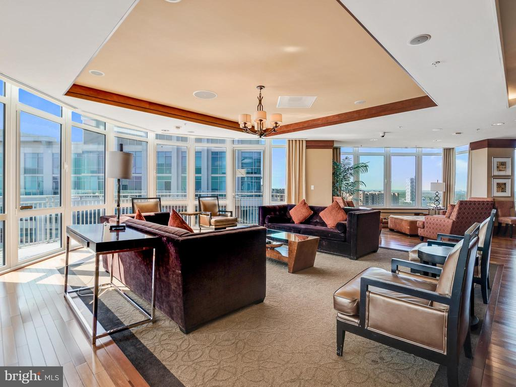 Lobby Interior - 8220 CRESTWOOD HEIGHTS DR #511, MCLEAN