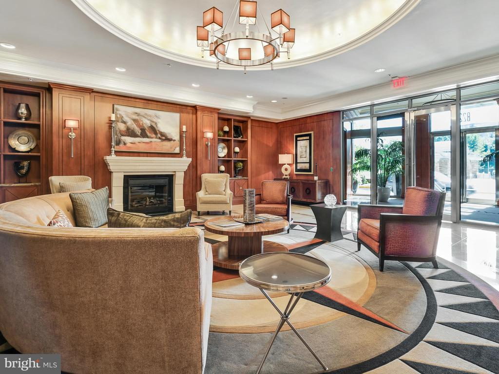 Main Lobby - 8220 CRESTWOOD HEIGHTS DR #511, MCLEAN