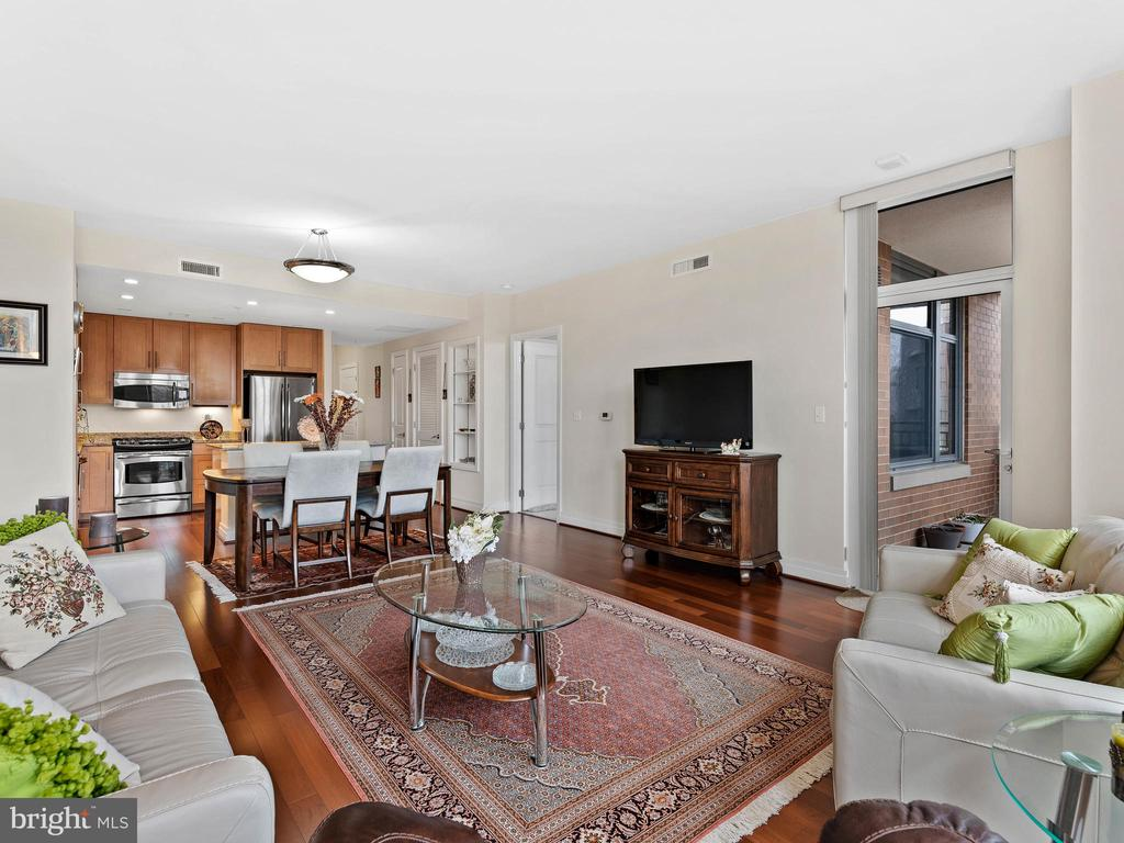 Interior - 8220 CRESTWOOD HEIGHTS DR #511, MCLEAN