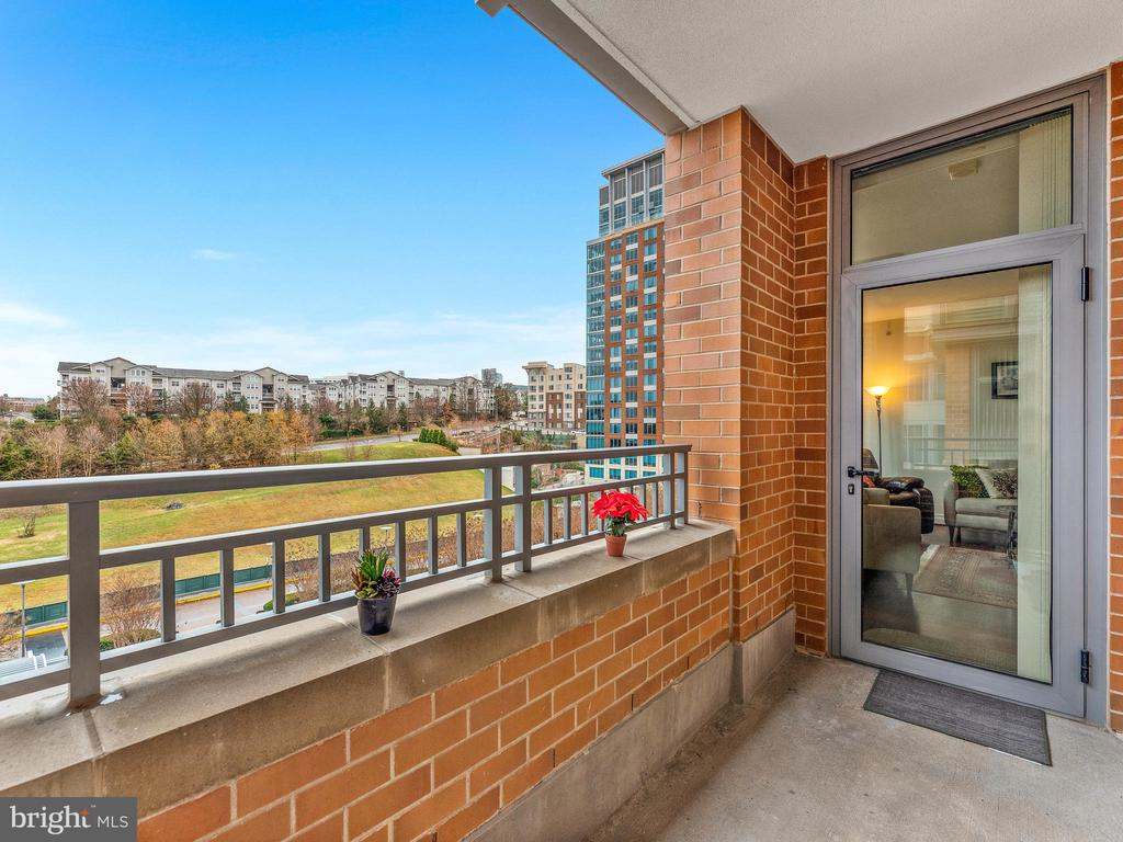 Balcony with Beautiful View - 8220 CRESTWOOD HEIGHTS DR #511, MCLEAN