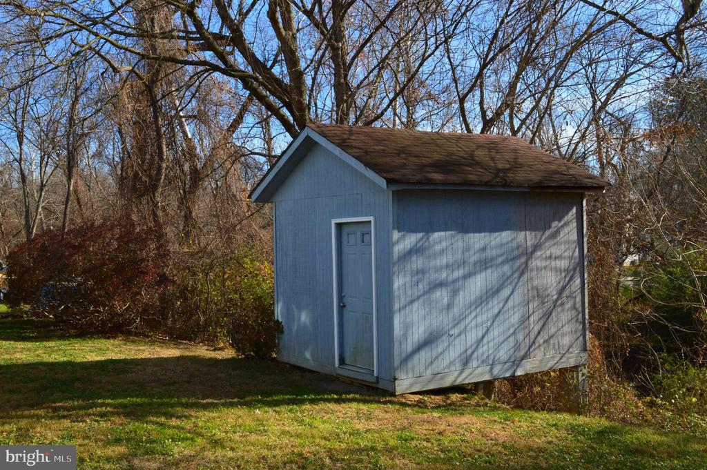 Oversized storage shed - 4510 FURMAN, SILVER SPRING
