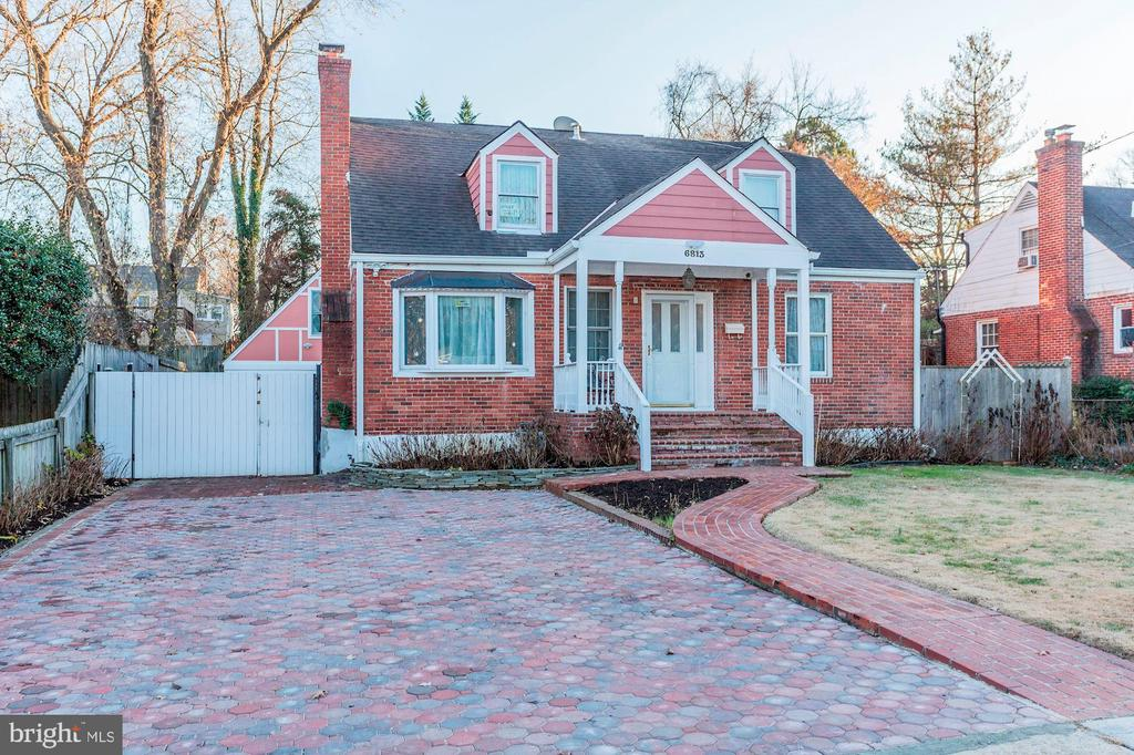 Get Ready to FALL IN LOVE w/ this Beautiful Cape! - 6813 JEFFERSON AVE, FALLS CHURCH