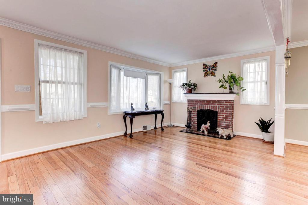 Living Room - Simply Stunning Space! - 6813 JEFFERSON AVE, FALLS CHURCH