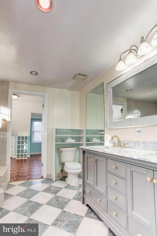 Master Bathroom - Located on Upstairs Level! - 6813 JEFFERSON AVE, FALLS CHURCH
