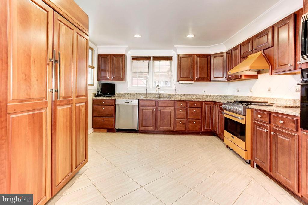 Kitchen - Very Large & Spacious + SUB ZERO FRIDGE! - 6813 JEFFERSON AVE, FALLS CHURCH