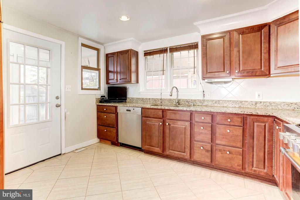 Kitchen - Tremendous Amounts of Cabinets! - 6813 JEFFERSON AVE, FALLS CHURCH