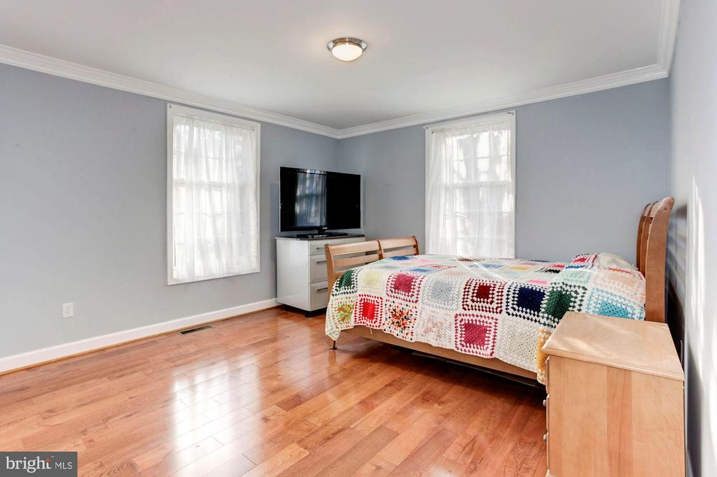 Bedroom  #4 - Located on Main Level of Home! - 6813 JEFFERSON AVE, FALLS CHURCH
