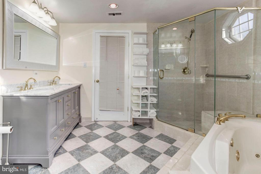 Master Bathroom - New Vanity, Glass Shower! - 6813 JEFFERSON AVE, FALLS CHURCH