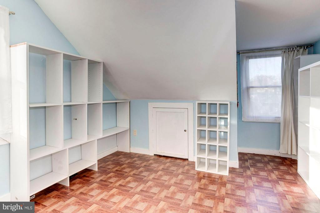 Master BR Walk-In Closet - What Dreams Are Made Of - 6813 JEFFERSON AVE, FALLS CHURCH