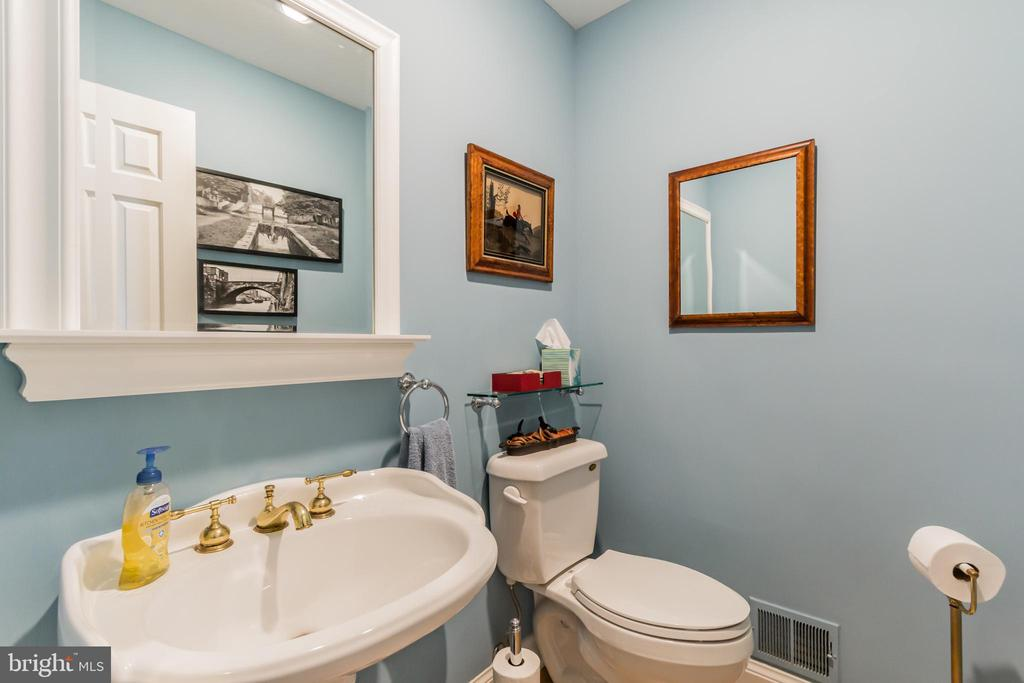 Powder Room on Main Level - 9927 S GLEN RD, POTOMAC