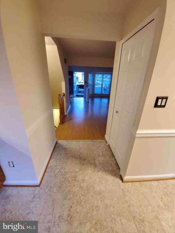Main Level - Kitchen to the Living Room - 9226 KRISTY DR, MANASSAS PARK