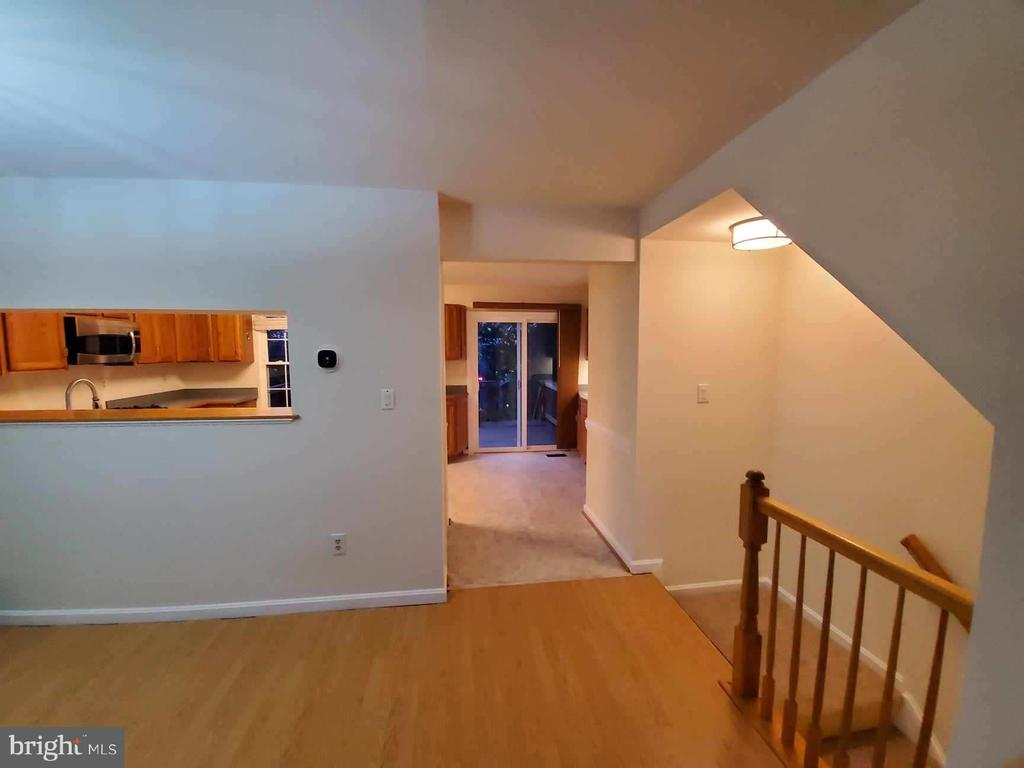 Main Level - View from Livingroom to the Kitchen - 9226 KRISTY DR, MANASSAS PARK