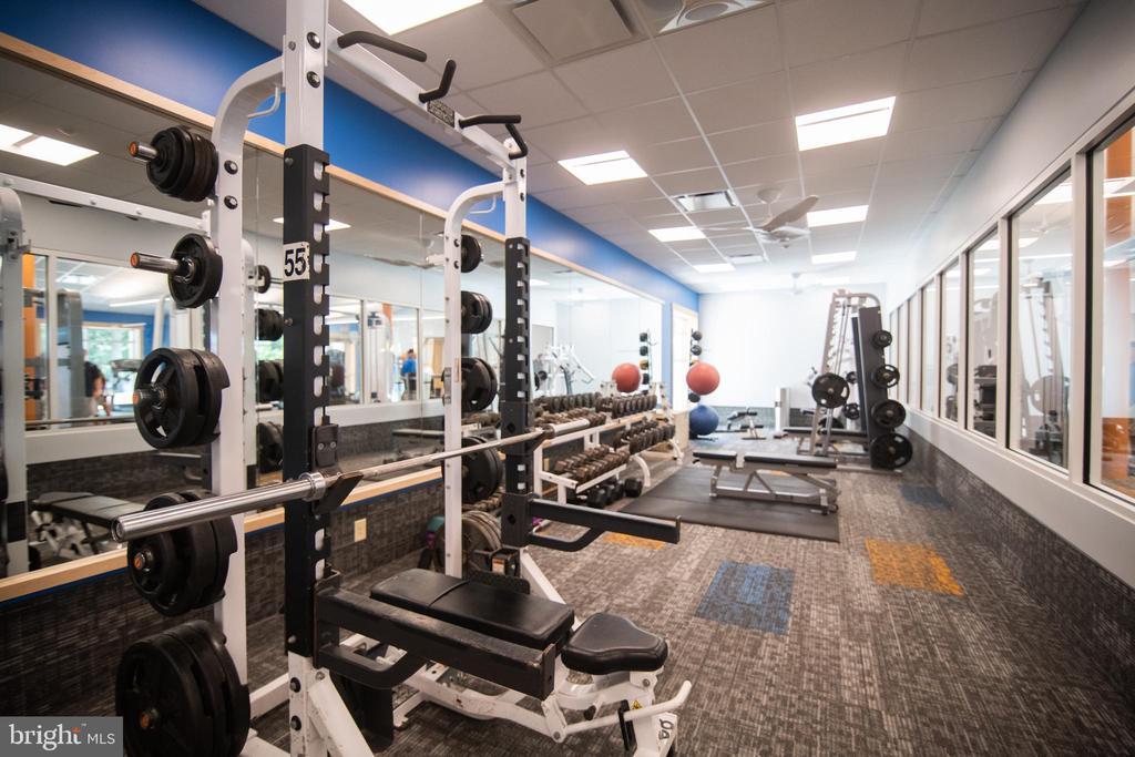 New Fitness Center - 113 EDGEHILL DR, LOCUST GROVE