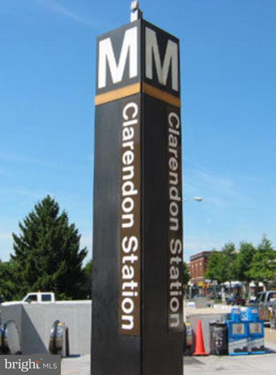 Close to Clarendon Station Metro! - 1201 N GARFIELD ST #803, ARLINGTON