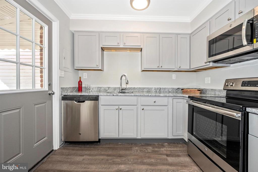 Kitchen - 830 LANNERTON RD, BALTIMORE