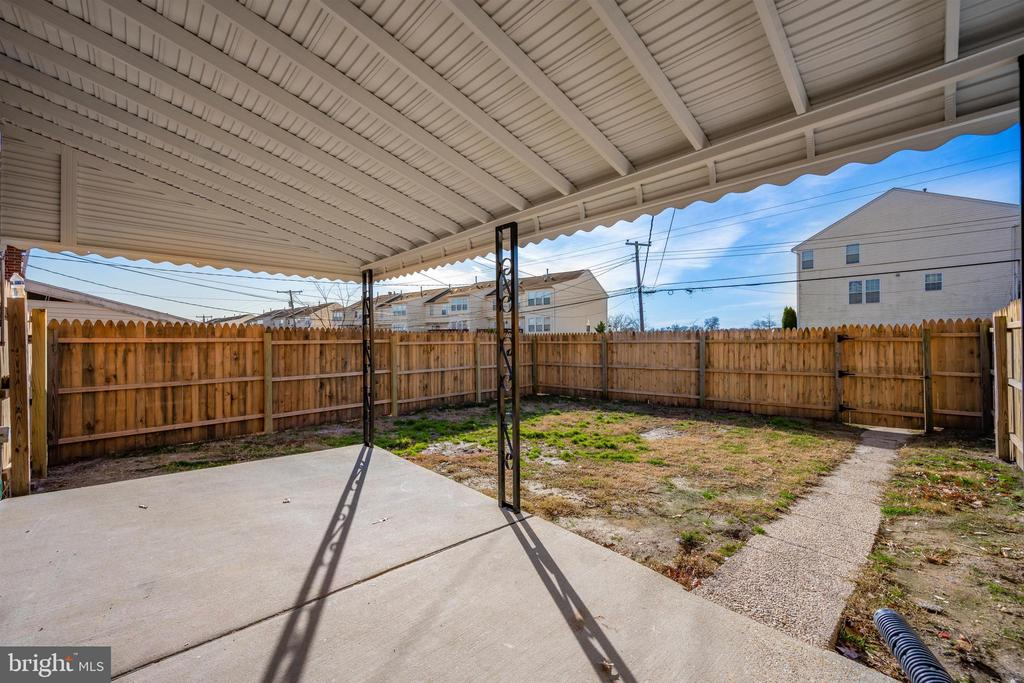 Covered Patio - 830 LANNERTON RD, BALTIMORE