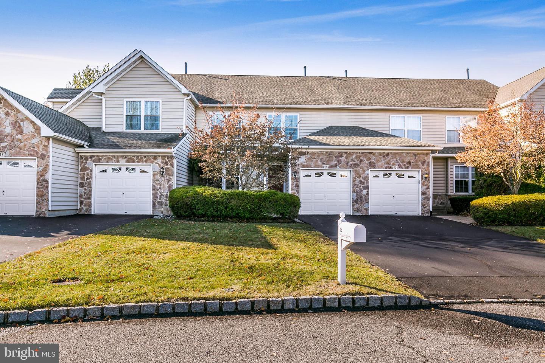 Single Family Homes pour l à louer à Moorestown, New Jersey 08057 États-Unis