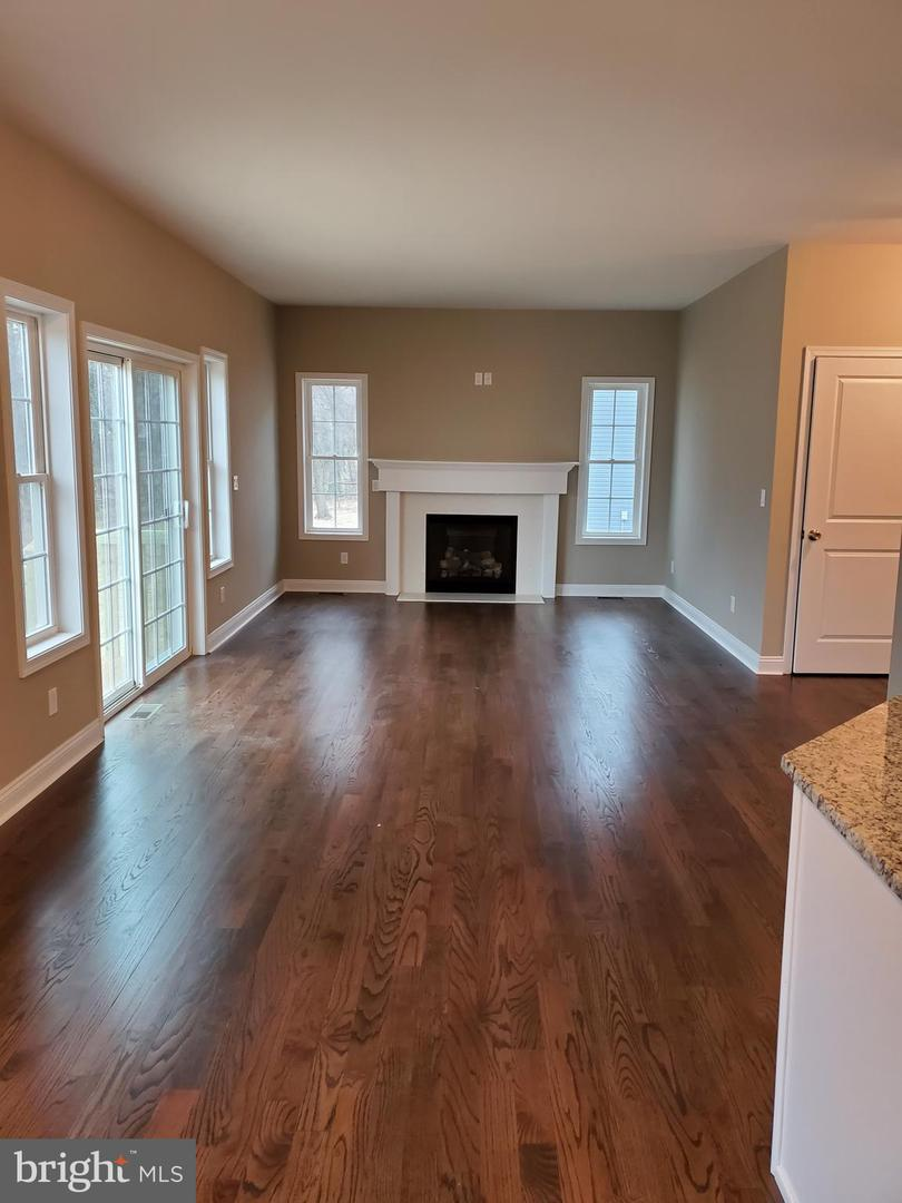 Single Family Homes voor Verkoop op Somerset, New Jersey 08873 Verenigde Staten