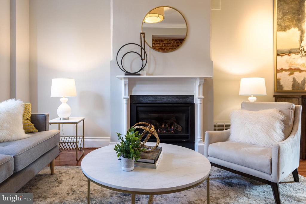 Gas Fireplace - 950 WESTMINSTER ST NW, WASHINGTON