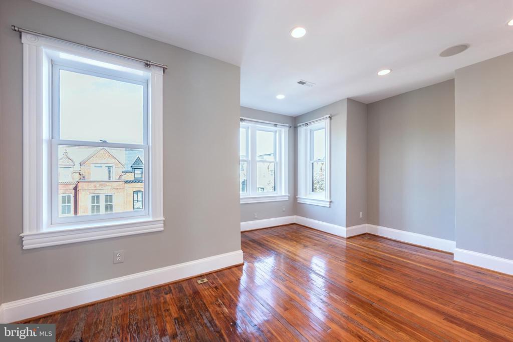 Third Floor Bedroom - 950 WESTMINSTER ST NW, WASHINGTON