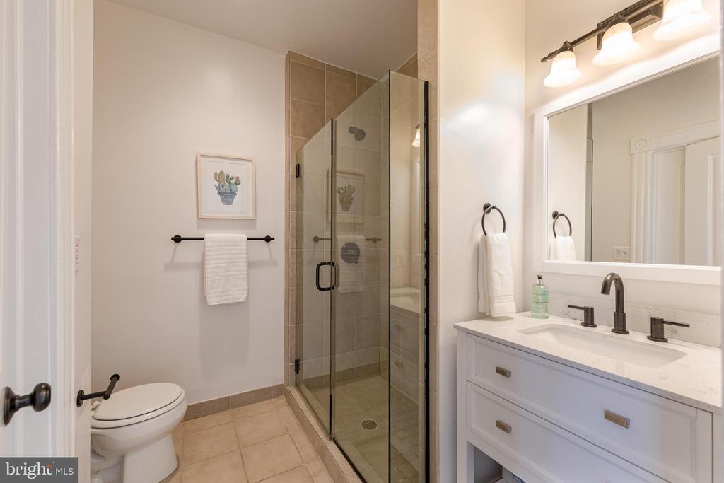 Third Floor Bathroom - 950 WESTMINSTER ST NW, WASHINGTON