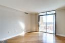 Living room - 1201 N GARFIELD ST #803, ARLINGTON