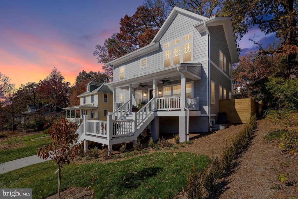 Stunning New Construction Craftsman Style Home - 3810 POWHATAN RD, HYATTSVILLE