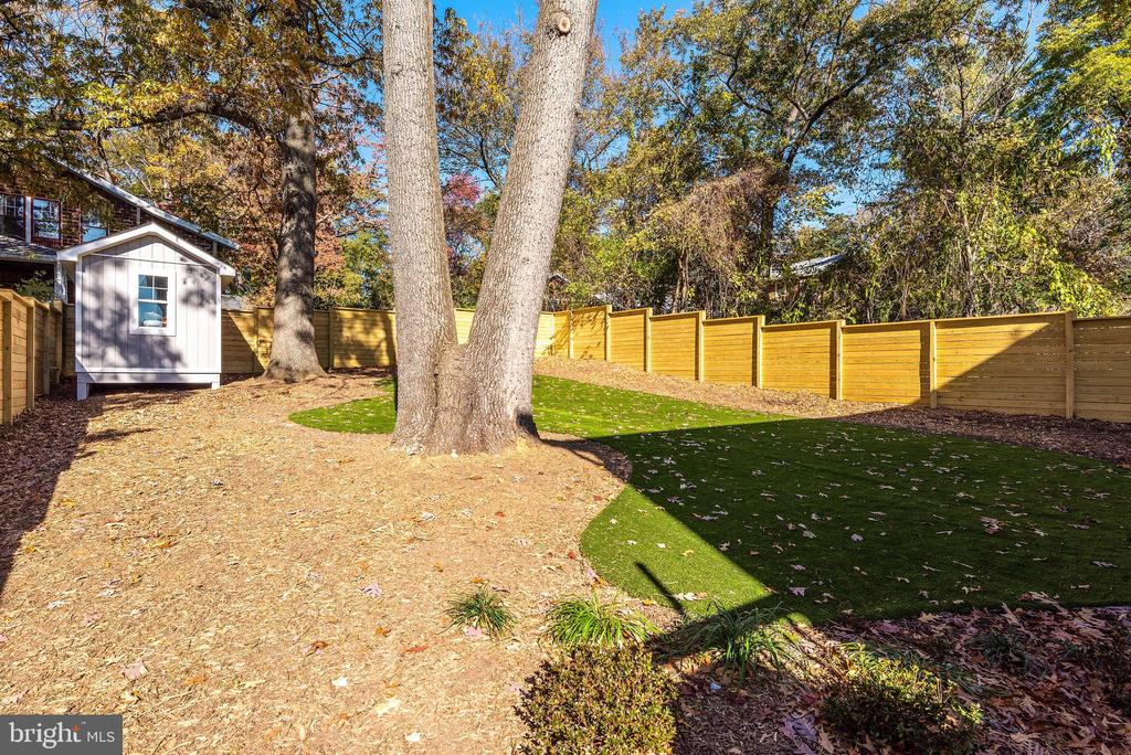 Fully Fenced In Backyard - 3810 POWHATAN RD, HYATTSVILLE
