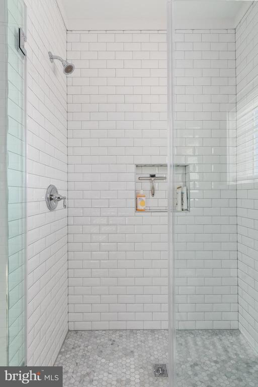 2nd Floor Fully Tiled Shower - 3810 POWHATAN RD, HYATTSVILLE