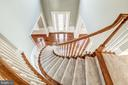Stunning hardwood curved staircase - 19999 BELMONT STATION DR, ASHBURN
