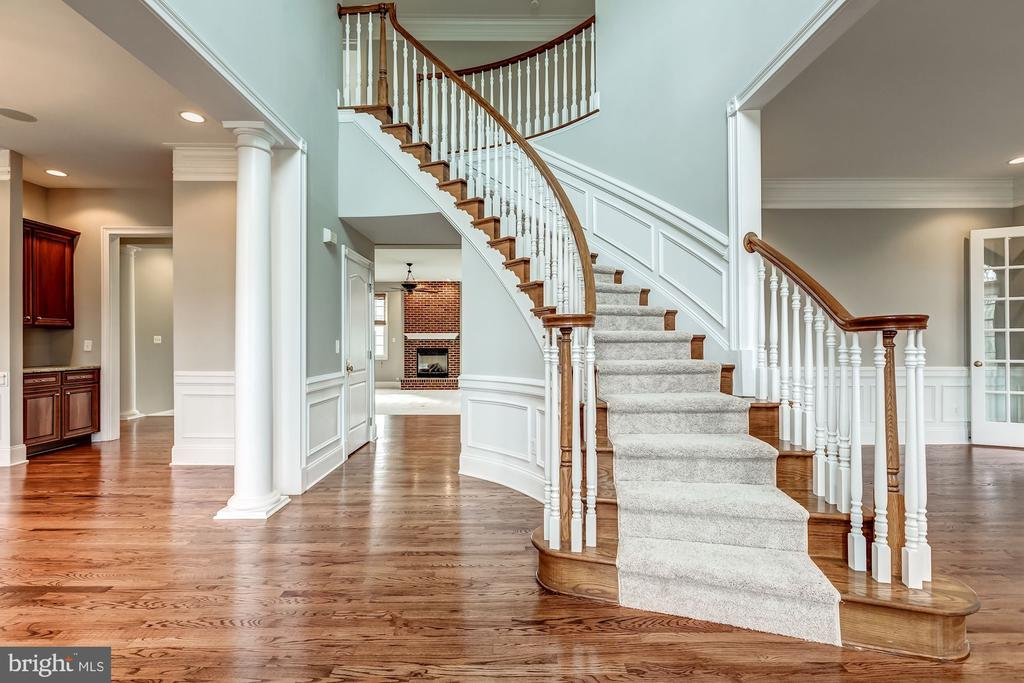 Newly refinished hardwood floors on main level - 19999 BELMONT STATION DR, ASHBURN