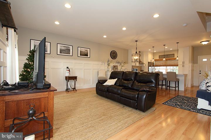 Family room - 505 BRECKINRIDGE SQ SE, LEESBURG