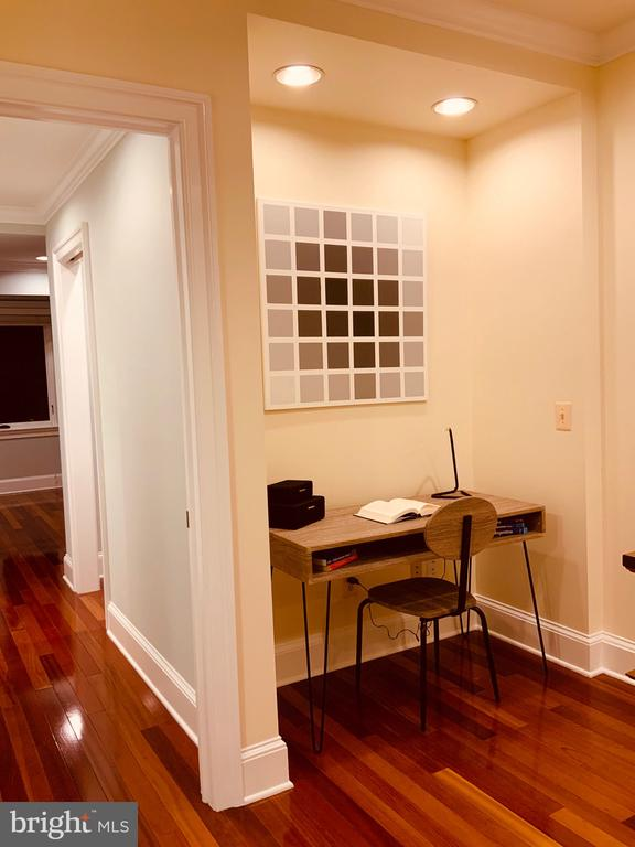 Office Nook - 1324 FAIRMONT ST NW #B, WASHINGTON