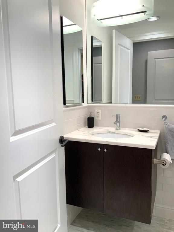 Front Master Bathroom #1 - 1324 FAIRMONT ST NW #B, WASHINGTON