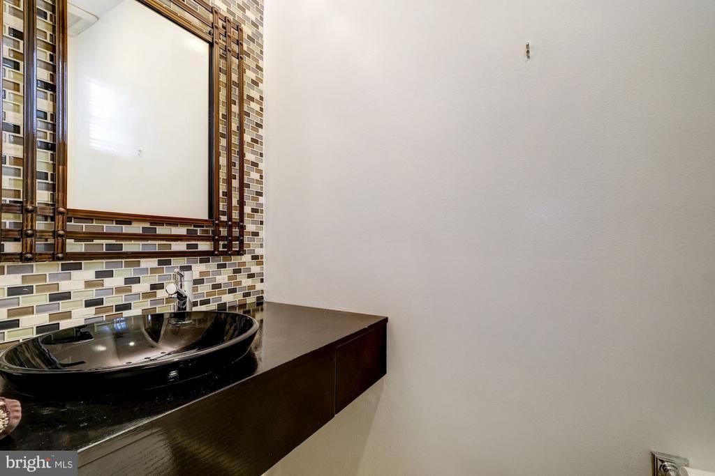 Powder Room - 1614 34TH ST NW, WASHINGTON