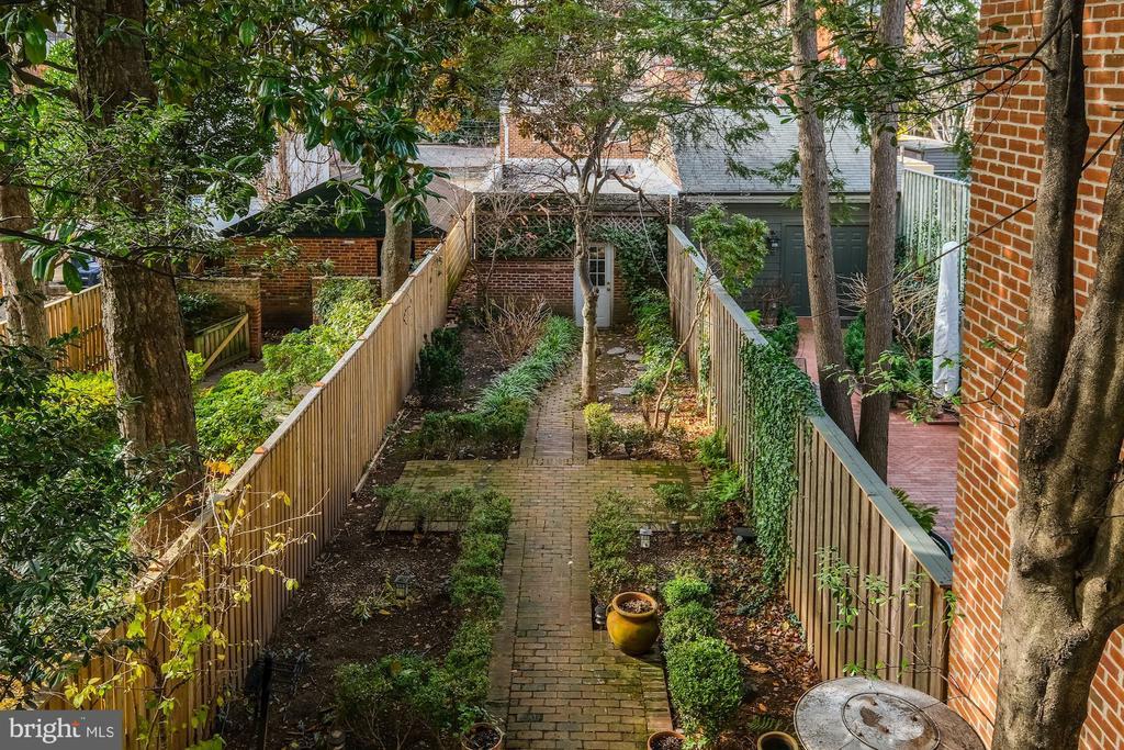 Fully Fenced Back Garden - 1614 34TH ST NW, WASHINGTON