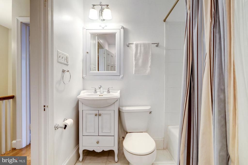 Hall Bath - 1614 34TH ST NW, WASHINGTON