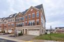 Luxury end  townhome in Chestnut Place - 7220 MAGPIE LN, FALLS CHURCH