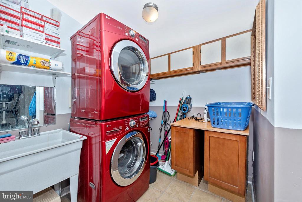 laundry - 15009 SABILLASVILLE RD, THURMONT