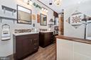 hall bath - 15009 SABILLASVILLE RD, THURMONT
