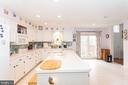 Cheerful and bright - 20687 BROADWATER CT, STERLING