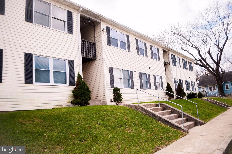 Single Family Homes voor Huren op 119 PARK ST #11 Charles Town, West Virginia 25414 Verenigde Staten