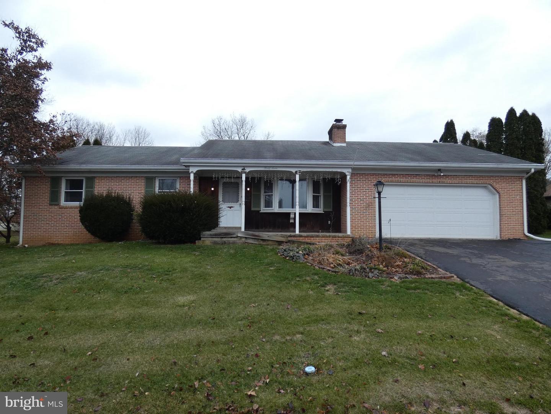 Single Family Homes für Verkauf beim Akron, Pennsylvanien 17501 Vereinigte Staaten