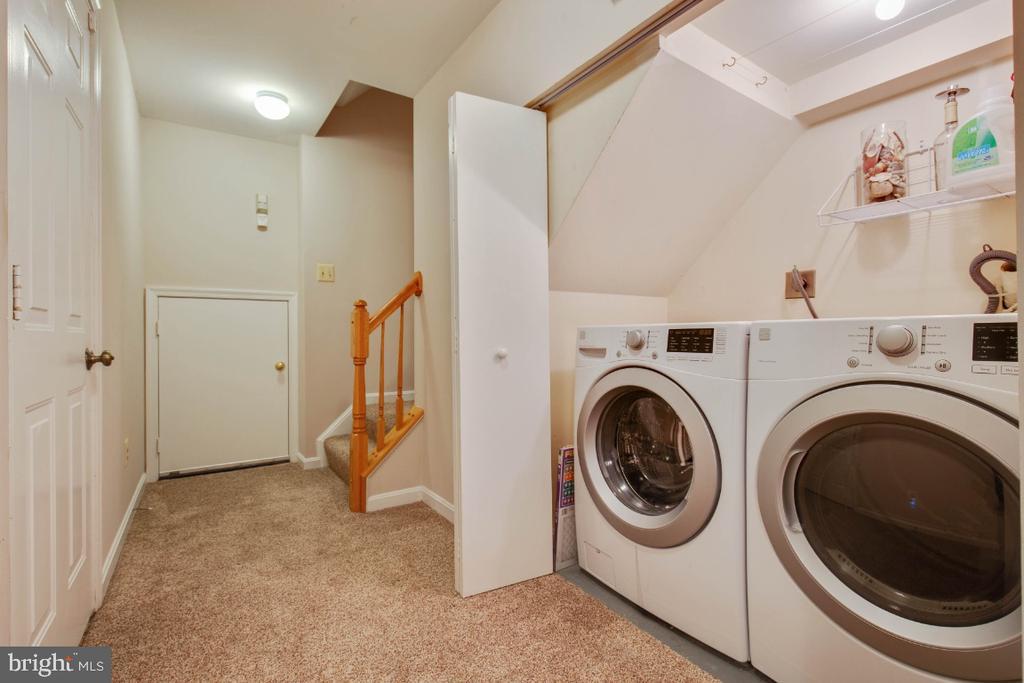 Front loading washer/ dryer - 395 S PICKETT ST, ALEXANDRIA