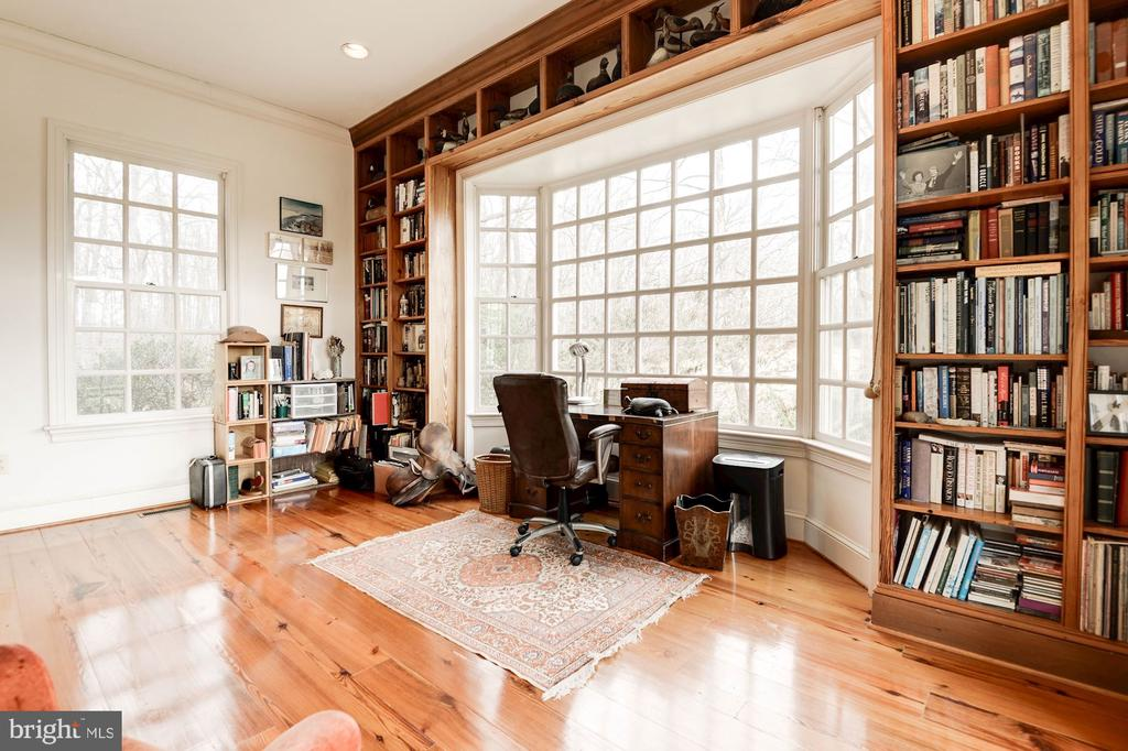 Office/Library with panoramic views - 20252 UNISON RD, ROUND HILL