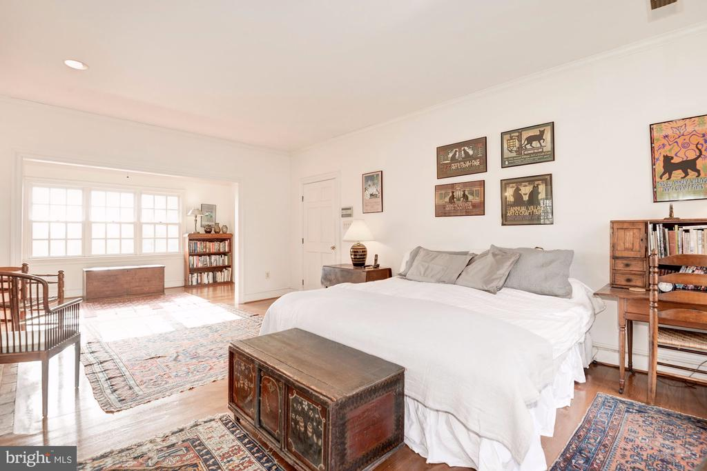 Spacious Master Bedroom - 20252 UNISON RD, ROUND HILL