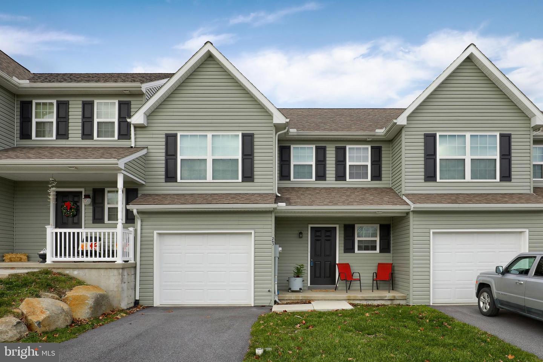 Single Family Homes für Verkauf beim East Earl, Pennsylvanien 17519 Vereinigte Staaten