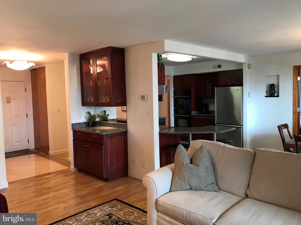 From the living room toward the kitchen * - 1600 N OAK ST #1510, ARLINGTON